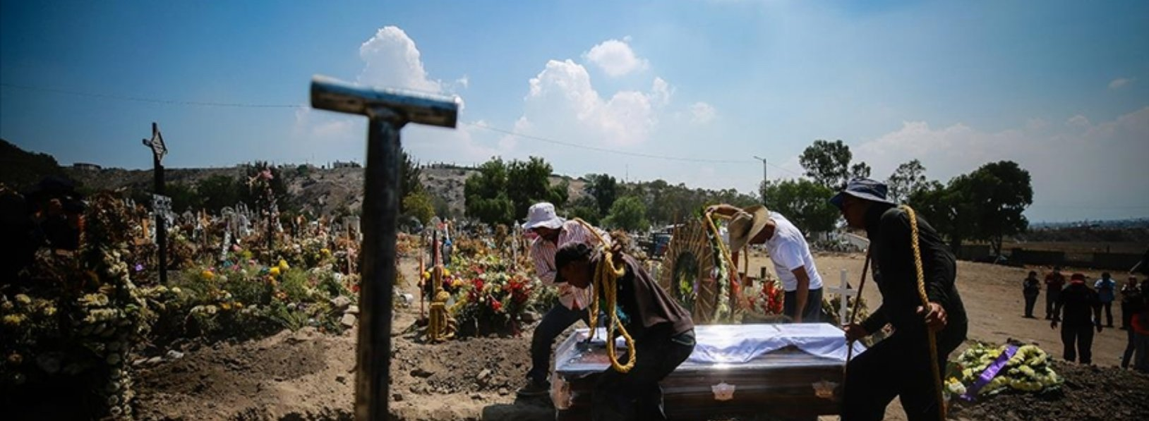 The number of deaths due to Covid-19 in Mexico exceeded 200 thousand.